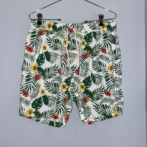 NWOT Men's Tropical Patterned Shorts